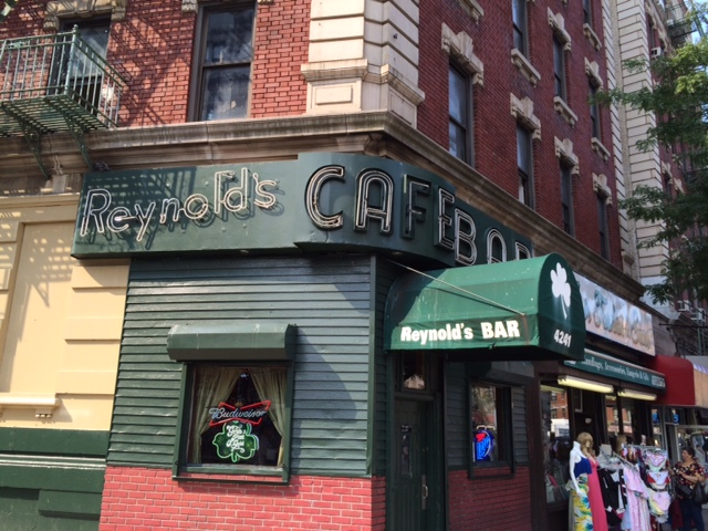 reynold's bar & cafe